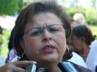 ESTHELA PONCE CLOSE UP