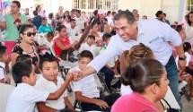 entrega-alcalde-Arturo-de-ka-Rosa-mas-obras-LC-2017.jpeg