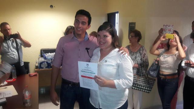 Thalía y Carlos: Sondeos Favorables