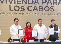 """02-PRESENTAN-PROYECTO-""""VIVIENDA-PARA-LOS-CABOS""""."""