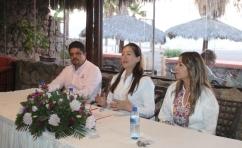 foto-3-georgina-rosas-segovia-tomc393-protesta-como-la-nueva-presidenta-del-comitc389-de-pueblo-mc381gico-en-loreto..jpg