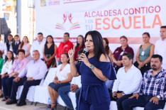 "02 Beneficia Gobierno Municipal a mil 170 alumnos con programa ""Alcaldesa Contigo y en tu Escuela"".jpeg"