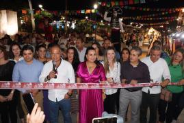 """01 Gobierno municipal y empresarios de Los Cabos inauguraron el programa permanente """"Viva la Plaza"""" en Cabo San Lucas .jpeg"""