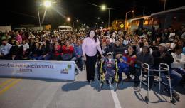 """04 """"Palabra de mujer"""", la XIII Administración cumple con la gente_ se entrega a la población obras de pavimentación y alumbrado público Armida Castro 3.jpeg"""