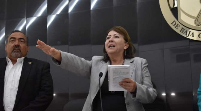 """Los nuevos """"curuleros"""": Anarquizar el Congreso"""