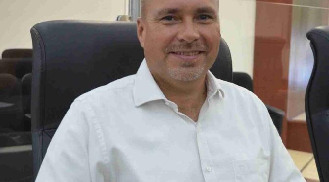 Utilizar tecnologías para evitar corrupción y eficientar servicios propone José Luis Perpuli
