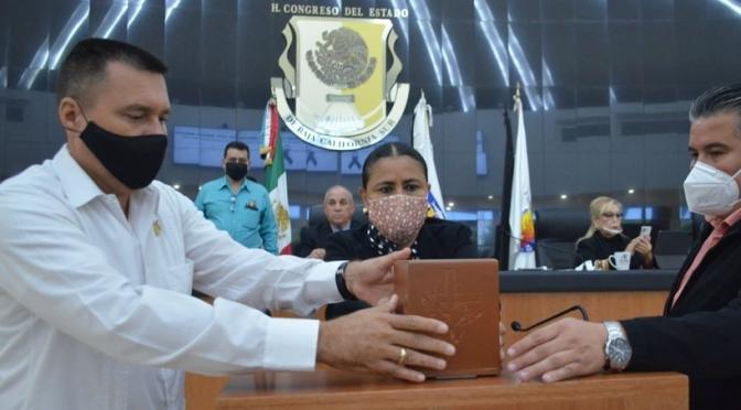 Rinde Poder Legislativo Homenaje Póstumo a Alejandro Cota Miranda
