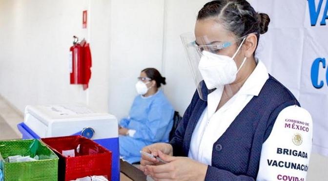 Baja California Sur insiste en vacuna para médicos particulares