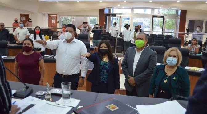Toman protesta 2 integrantes del Consejo Consultivo de la Comisión Estatal de los Derechos Humanos.